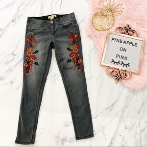 """Democracy """"Ab"""" Tech Flower Embroidered Skinny 2"""